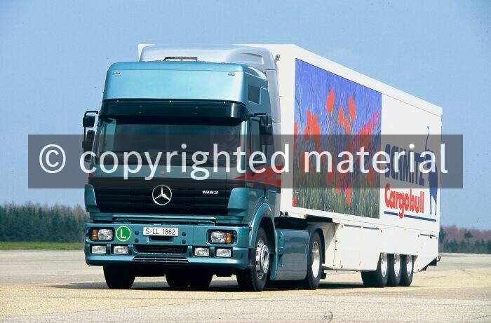 Mercedes Benz Trucks >> Mercedes Benz Trucks Have A Makeover Media Database