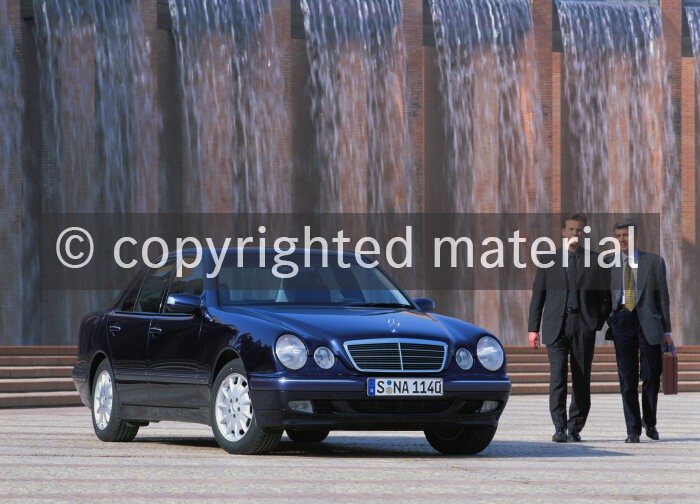 A99f1851 Mercedes Benz E Klasse Limousine Der Baureihe 210