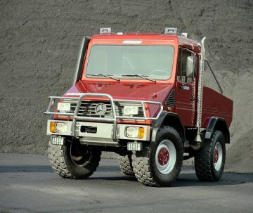 "The ""Funmog"" U 90, concept car of an off-road-capable leisure vehicle based on the Unimog, 1994."