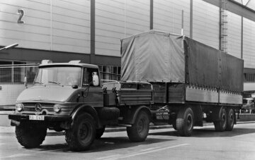 Unimog, model series 416 tractor unit in shunting operations