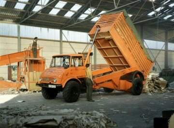 Unimog, model series 416 chassis cab version with Ruthmann lift truck body with tipping device