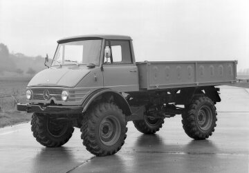 Unimog, model series 416 with all-steel cab and long platform
