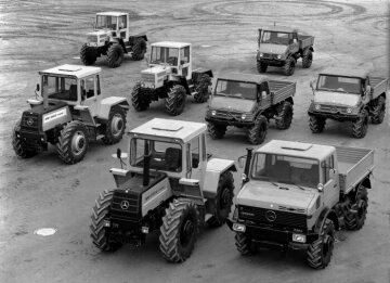 Unimog and MB-trac range of agricultural tractors 1974, pictured are Unimog vehicles of model series 403, 406, 421 and 425