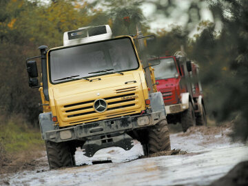 Extremely off-road-capable Unimog of model series 437.4, built from 2002