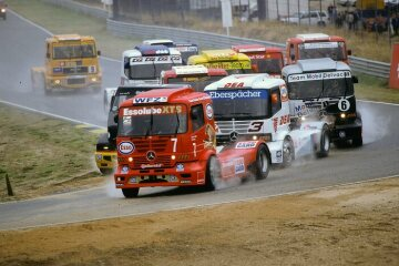 On the last racing day in Jarama, Spain, on October 4, 1998, Frenchman Ludovic Faure won the European Truck Racing Championship with the 1200-hp race truck, which had been redeveloped from the ground up for the 1998 season.