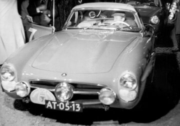XII. Internationale Tulpen-Rallye in Holland, 02.-07.05.1960. Das Rallyefahrerteam Willem Johan Jacob (Hans) Tak / R.S. de Boer (Startnummer 7) mit einem Mercedes-Benz Typ 300 SL-Roadster