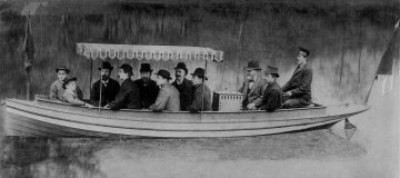 In 1886 the first Daimler motorboat completed numerous journeys on the Neckar river near Cannstatt (Stuttgart). (In front of the helmsman: Gottlieb Daimler and Wilhelm Maybach)