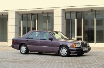 Mercedes-Benz sedan, 124 series