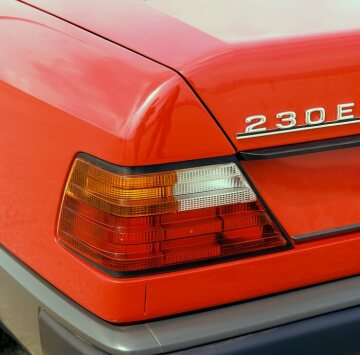 Mercedes-Benz 230 E, 124 series