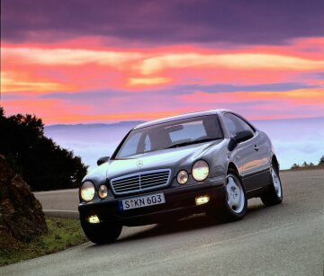 Mercedes-Benz CLK 320 from the 208-series