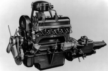 Mercedes-Benz 220, W 187  2,2-liter, 6-cylinder engine (left side) 1951 - 1955