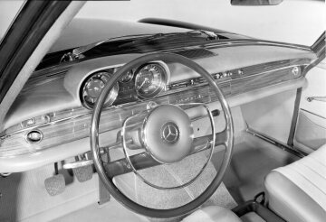 Mercedes-Benz 300 Seb W 108 control elements 1965 - 1967