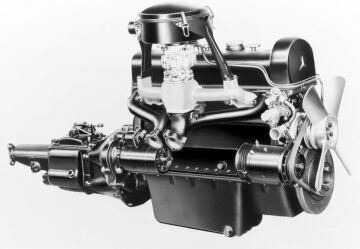 Mercedes-Benz 220 6 cyl. high performance engine (right side) 1951