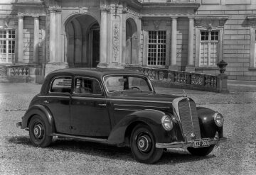 Mercedes-Benz 220 saloon 1951