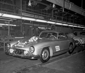 Mercedes-Benz 300 SL. The 1000th Mercedes-Benz 300 SL came off the production line in the Sindelfingen plant in December 1955.