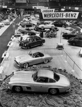 6 - 14 February 1954. International Motor Sports Show in New York. Presentation of Mercedes-Benz 190 SL and 300 SL sports car models.