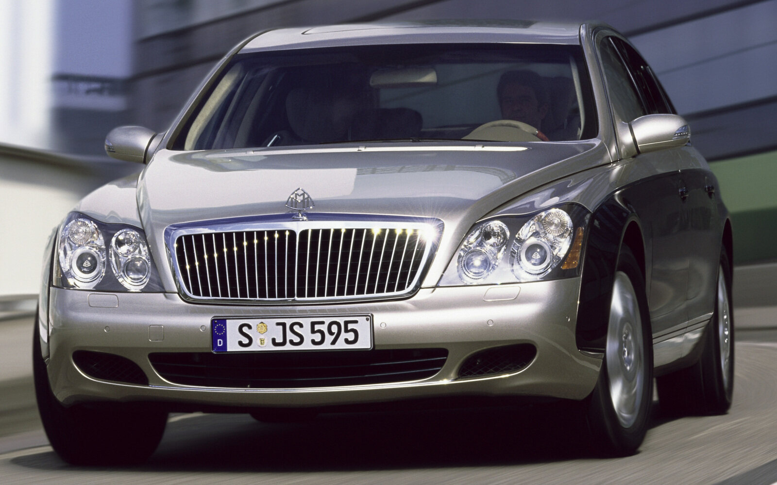 PKW4601 240 series Maybach Saloons, 2002 - 2010